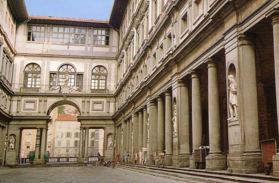 Private Uffizi Galleryand Vasari CorridorSites visited: Uffizi Gallery and Vasari Corridor when it is closed to the general publicDuration: 3 hours